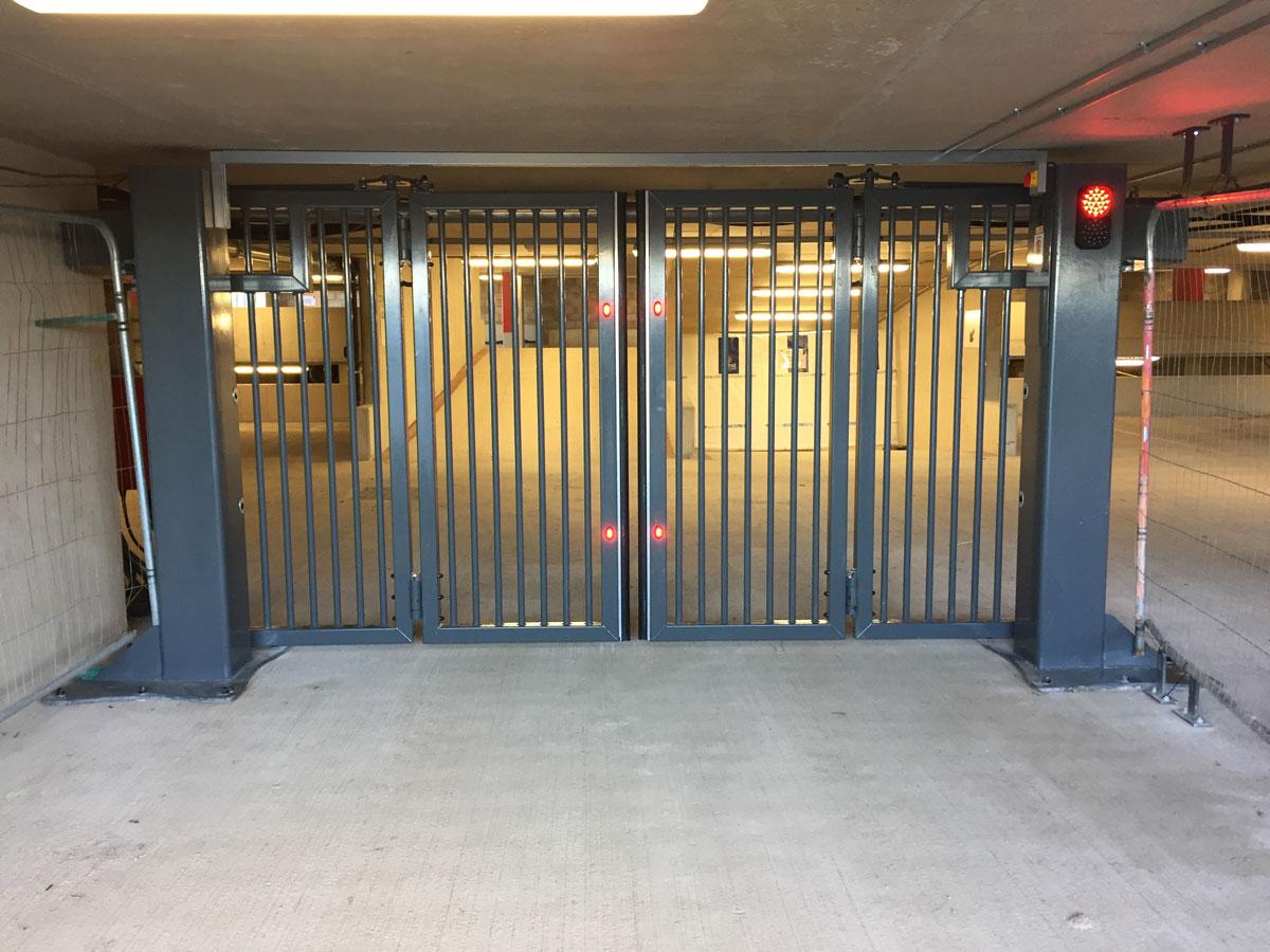 Bifold gates
